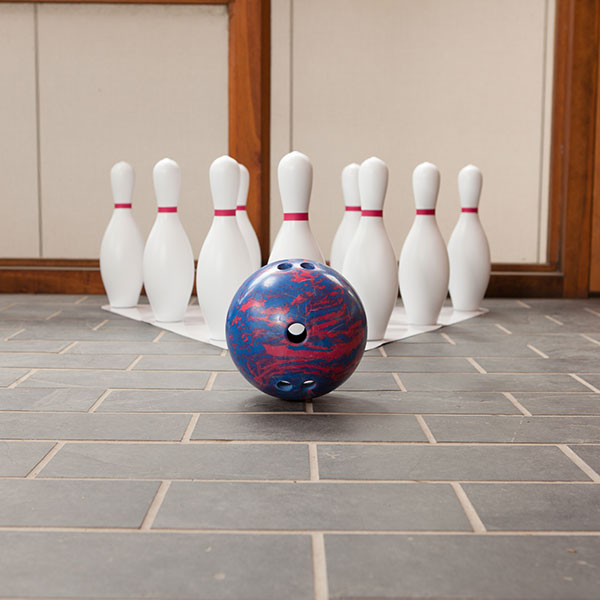 champion_sports_bpset_complete_bowling_set_with_pins